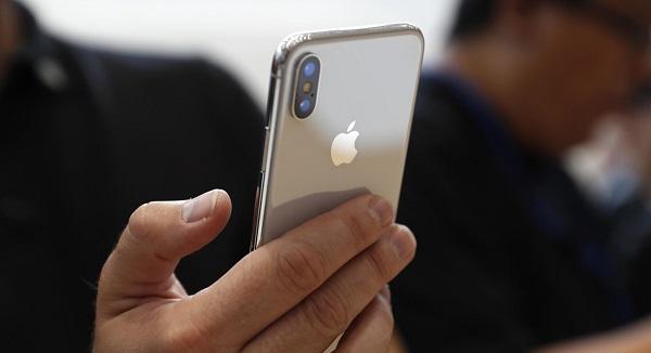 iPhone X satışları patlama yaptı!