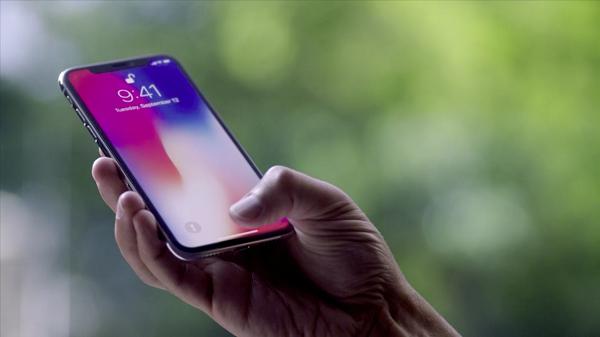 iPhone X Türkiye ön siparişleri almaya başladı