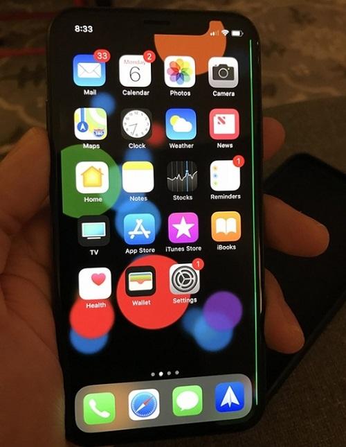 iPhone X ekranında yeşil çizgi çıktı