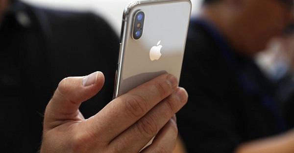 Apple iPhone X satış patlaması yaşandı
